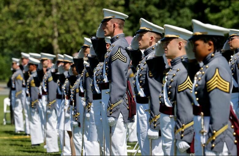 นักเรียนเตรียมทหารสหรัฐโกงสอบ