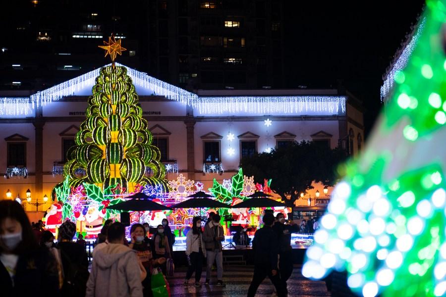สีสันไฟประดับรับคริสต์มาสใน 'มาเก๊า'