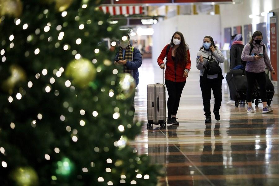สนามบินสหรัฐฯ ไม่ร้างคน แม้คำเตือนโควิด-19 ผุดดัง