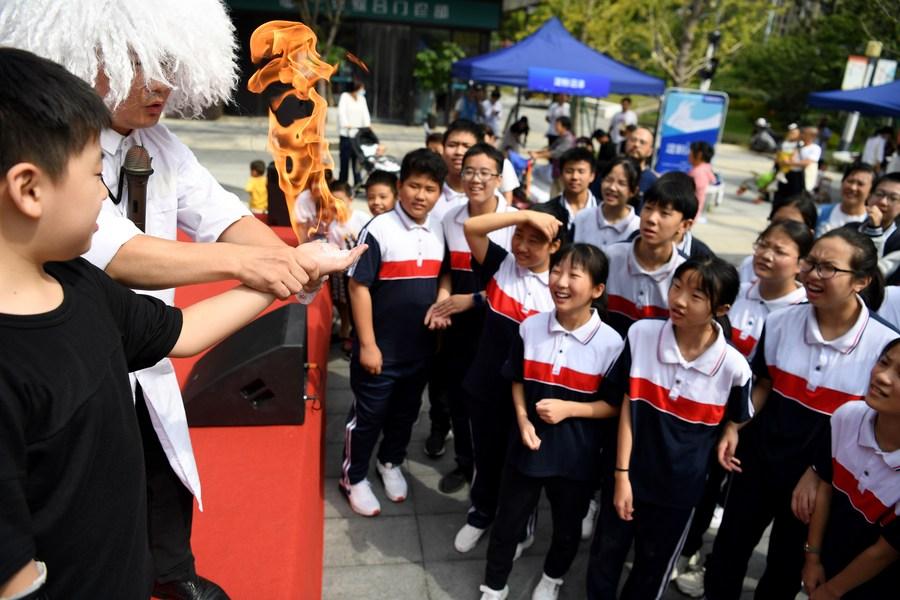 สารพัดแพลตฟอร์มช่วยชาวจีนเข้าถึง 'วิทยาศาสตร์' มากขึ้น