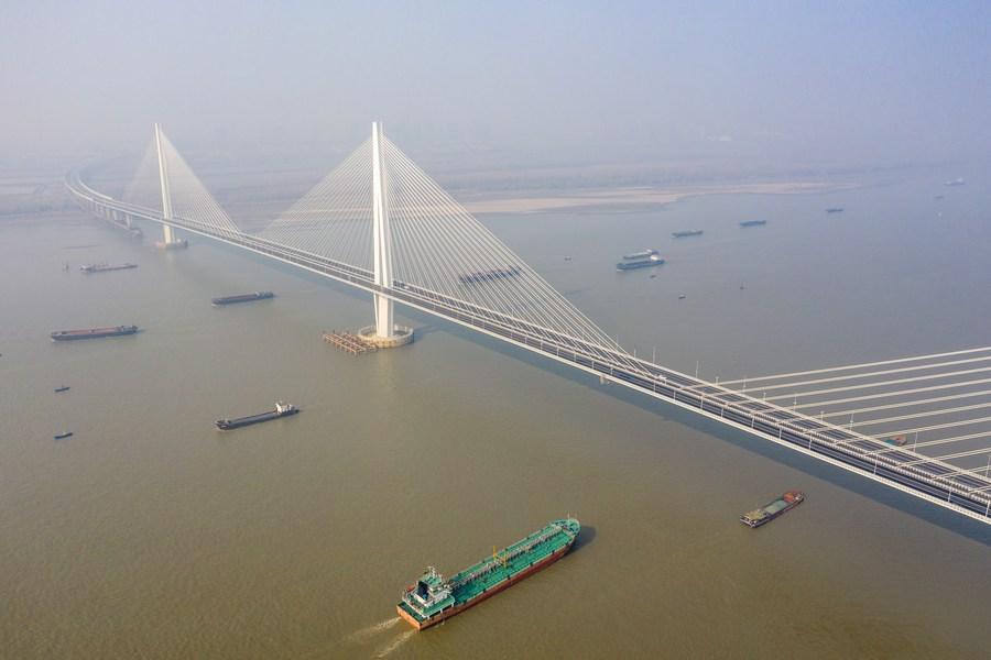 นานกิงอวดโฉม 'สะพานขึงคอนกรีต-เหล็กกล้า' แห่งแรกของโลก