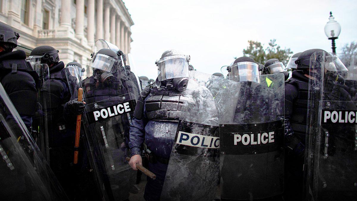 ตำรวจเสียชีวิต 1 หัวหน้าตำรวจรัฐสภาเร่งสืบสวน เหตุจลาจล พร้อม ประกาศลาออก