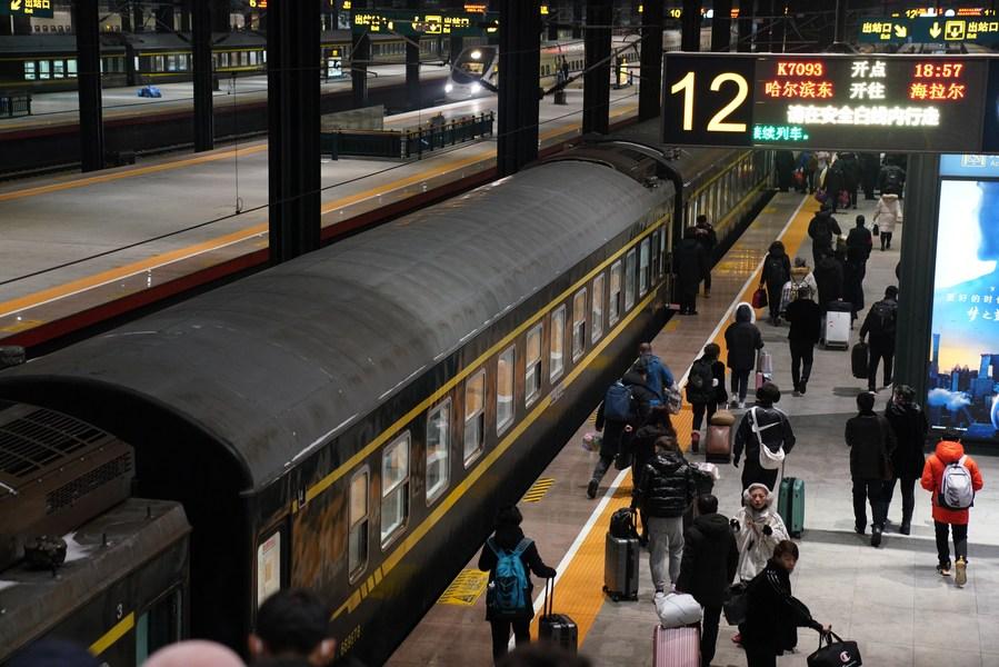 ส่อง 'รถไฟจีน' สุดเชื่องช้า จอด 50 สถานี เดินทาง 26 ชั่วโมง