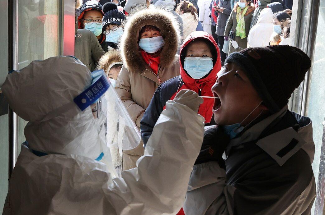 จีนล็อกดาวน์เมืองสือเจียจวง ปชช.11 ล้านคนห้ามออกนอกพื้นที่ สกัดติดโควิดพุ่ง