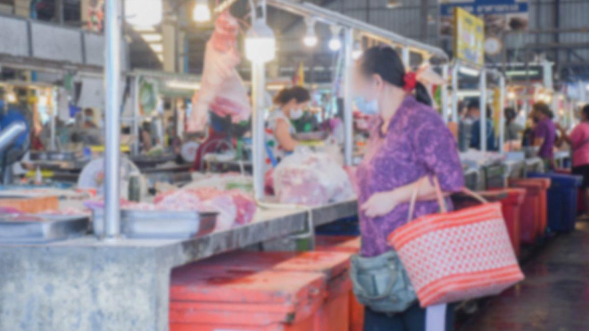 รองผู้ว่าฯพัทลุง เตือนพ่อค้า-แม่ค้า ไม่ปฏิบัติตามจะสั่งปิดตลาด หลังพบไม่สวมแมสก์