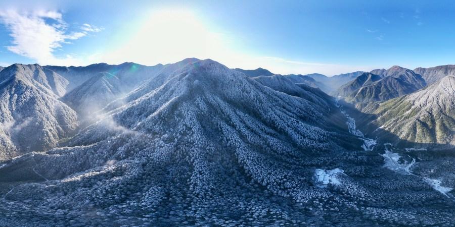 หิมะทักทายอู่อี๋ซานอีกครา แปรเขาเขียวสู่เขาขาวในฝูเจี้ยน