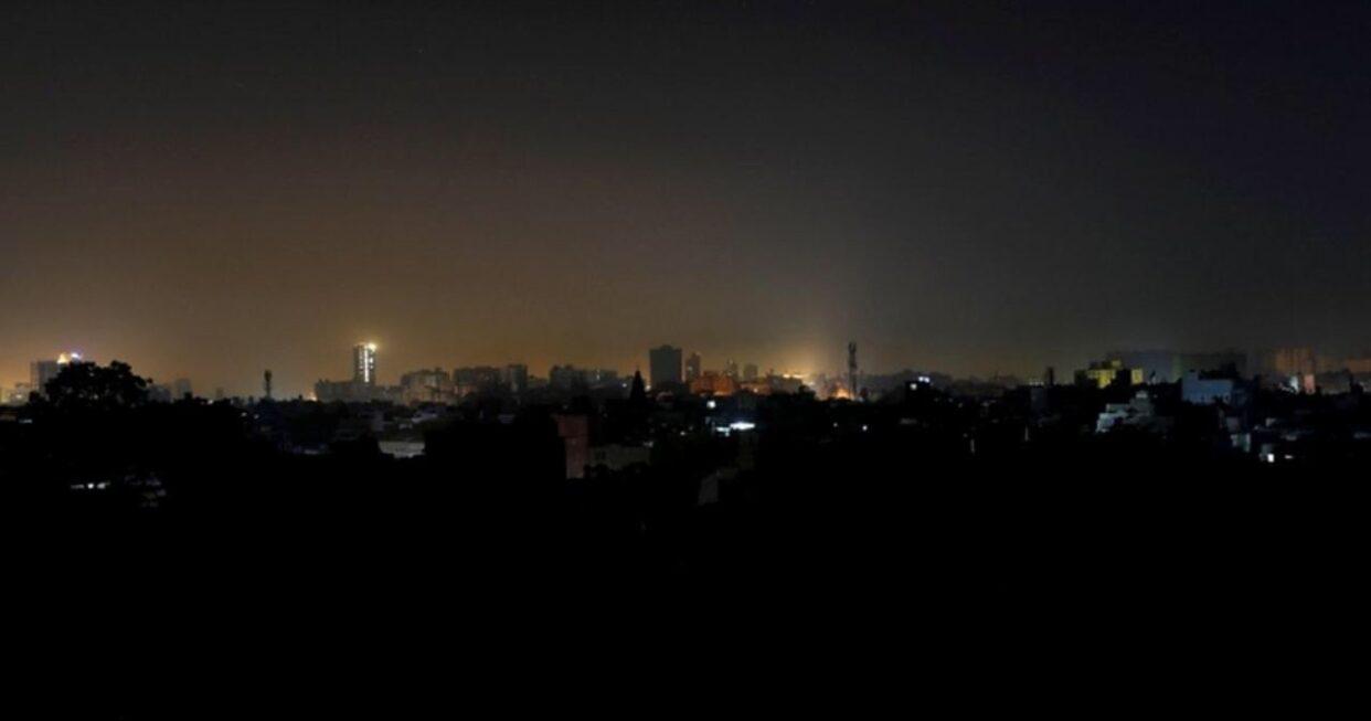 ปากีสถานมืดทั้งประเทศ หลังระบบไฟฟ้าล่ม