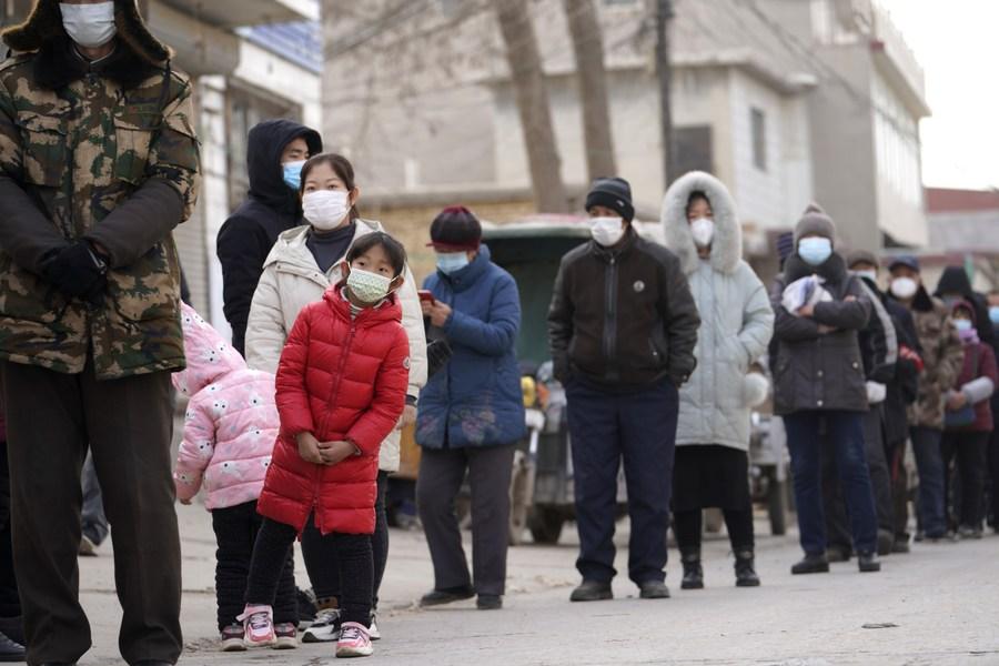 จีนชี้สถานการณ์โควิด-19 ในประเทศ 'ซับซ้อน-ท้าทาย'