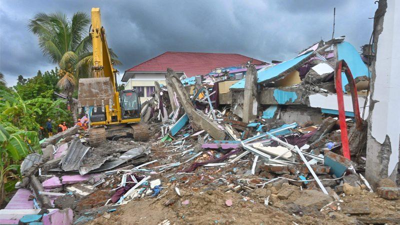 อินโดฯ สุดช้ำ! ฝนกระหน่ำซ้ำพื้นที่แผ่นดินไหว-สลดเหยื่อดับทะลุ 80 ศพ