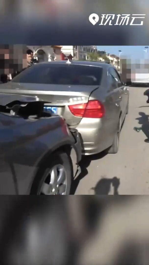 ชนไปเลย! ตำรวจยูนนานสายบู๊ สั่งพุ่งชนท้ายรถเก๋ง รวบตัวแก๊งค้ายา