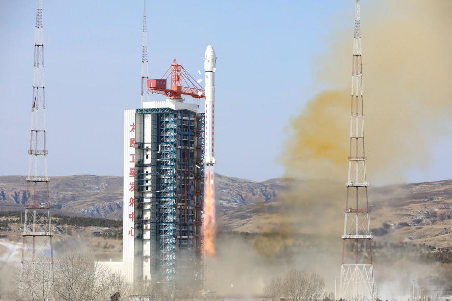 จีนเปิดสายผลิตอัจฉริยะ สร้างดาวเทียมปีละ 240 ดวง
