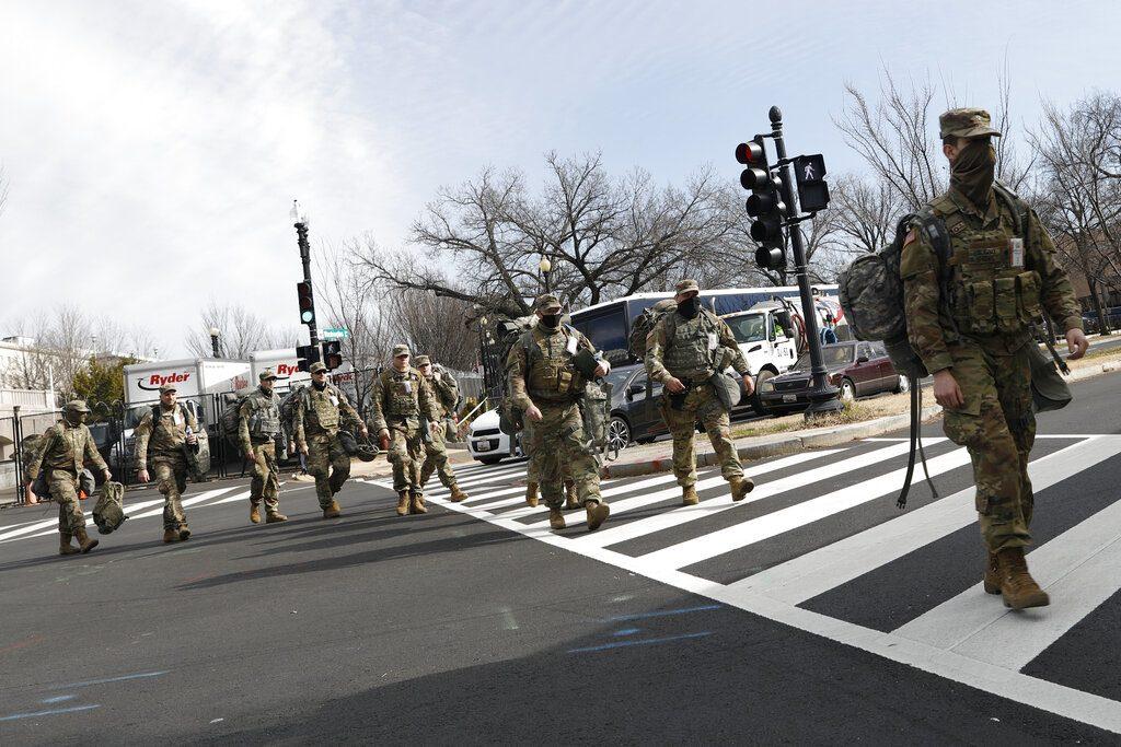 ไบเดนรับสหรัฐอาจตายเกิน 6 แสนศพ - ทหารในพิธีสาบานตนติดเชื้อ150นาย