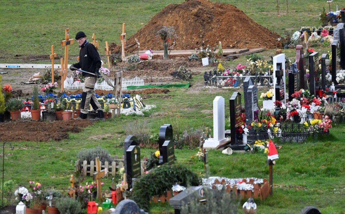โควิดทำอังกฤษตายทะลุแสน มะกันติดเชื้อพุ่ง 26 ล้าน