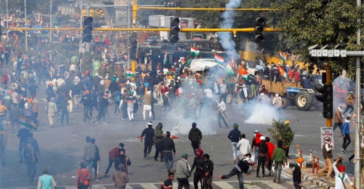 อินเดียระดมกำลังคุมเข้มเดลี หลังม็อบชาวนาป่วนเมือง