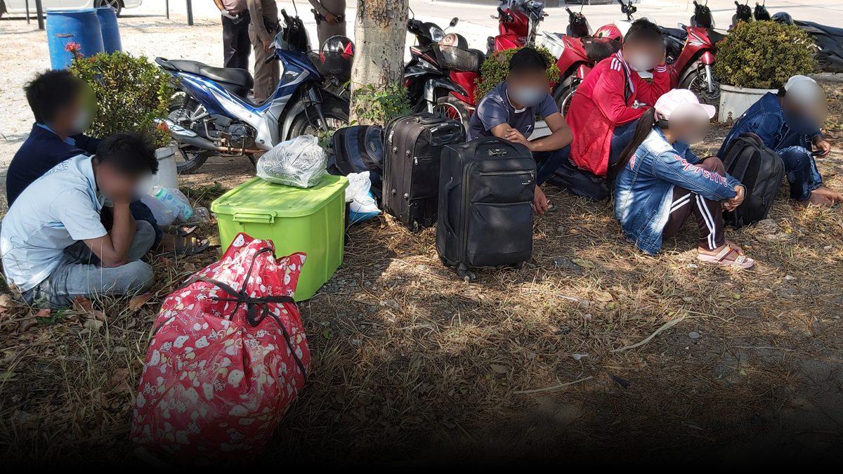 6แรงงานพม่าตกงาน โดนรถตู้หลอกพากลับบ้าน จ่ายหลายหมื่น โดนทิ้งข้างทาง