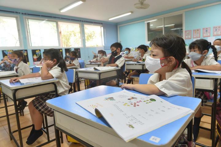 ไทยเปิดโรงเรียน คุมโควิด-19 เข้มงวด