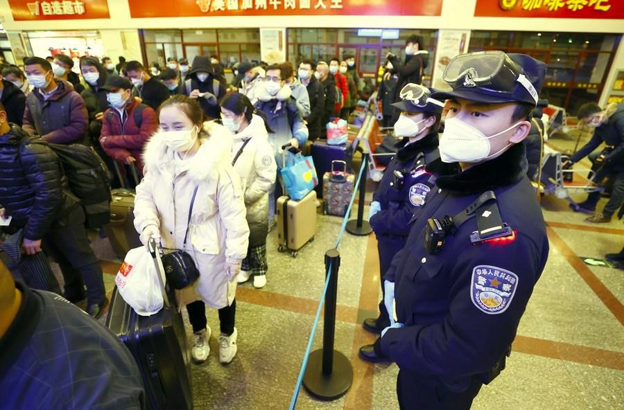 จีนรวบคนขาย 'ตั๋วรถไฟ' เกินราคากว่าพันราย ฉวยโอกาสช่วงตรุษจีน