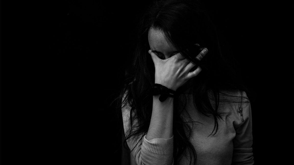จับแล้วผัวแข้งโหด ก้านคอเมีย เลือดคลั่งในสมอง นอนไอซียู พ่อน้ำตาตกร้องปวีณาช่วย
