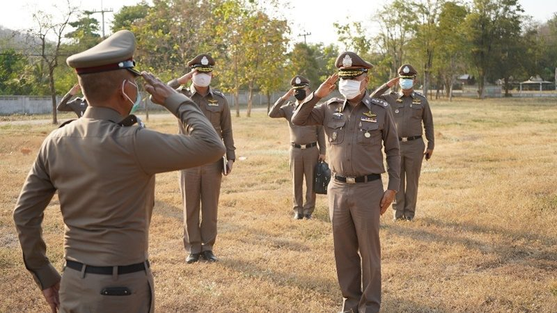 ช่วย.ผบ.ตร. ตรวจเยี่ยมตำรวจสังกัดภาค 6 กำชับลอบเข้าประเทศ ป้องกันโควิด