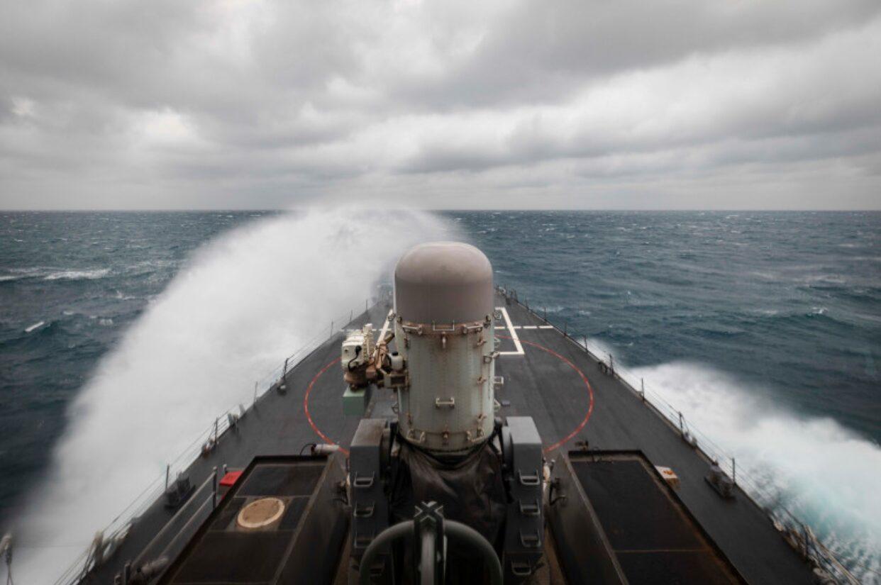 จีนซัดมะกันจงใจสร้างความตึงเครียด หลังส่งเรือรบแล่นผ่านช่องแคบไต้หวัน
