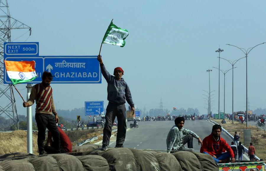 เกษตรกรอินเดียร่วมขบวนประท้วงกฎหมายเกษตร