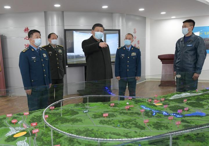 สีจิ้นผิงตรวจเยี่ยมหน่วยงาน 'กองทัพอากาศ' ในกุ้ยโจว