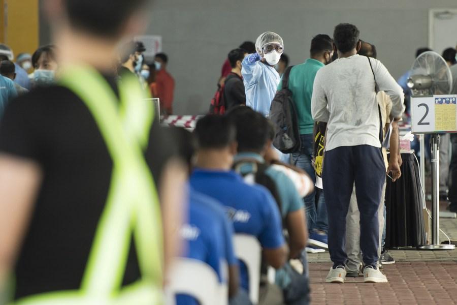นายกฯ สิงคโปร์เรียกร้องประชาชนฉีด 'วัคซีนโควิด-19'