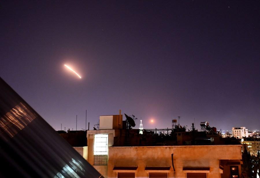 'อิสราเอล' ยิงมิสไซล์โจมตีเป้าหมายใกล้เมืองหลวง 'ซีเรีย'