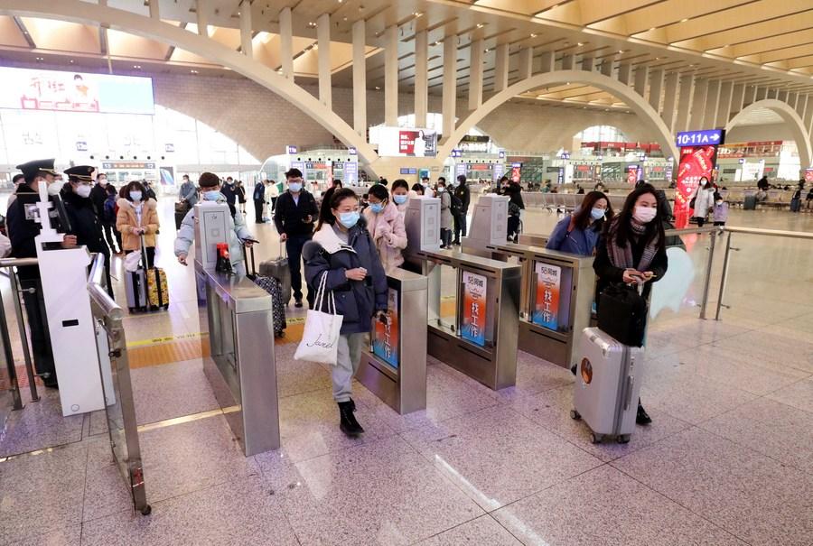 จีนเผยยอดเดินทางหยุดยาว 'ตรุษจีน' 6 วันแรก ทะลุ 77 ล้านครั้ง