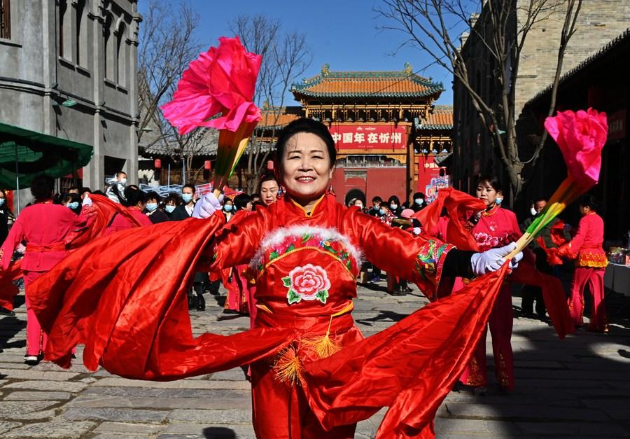 ครื้นเครงรับปีใหม่ ในเมืองโบราณจีน 'ซินโจว'