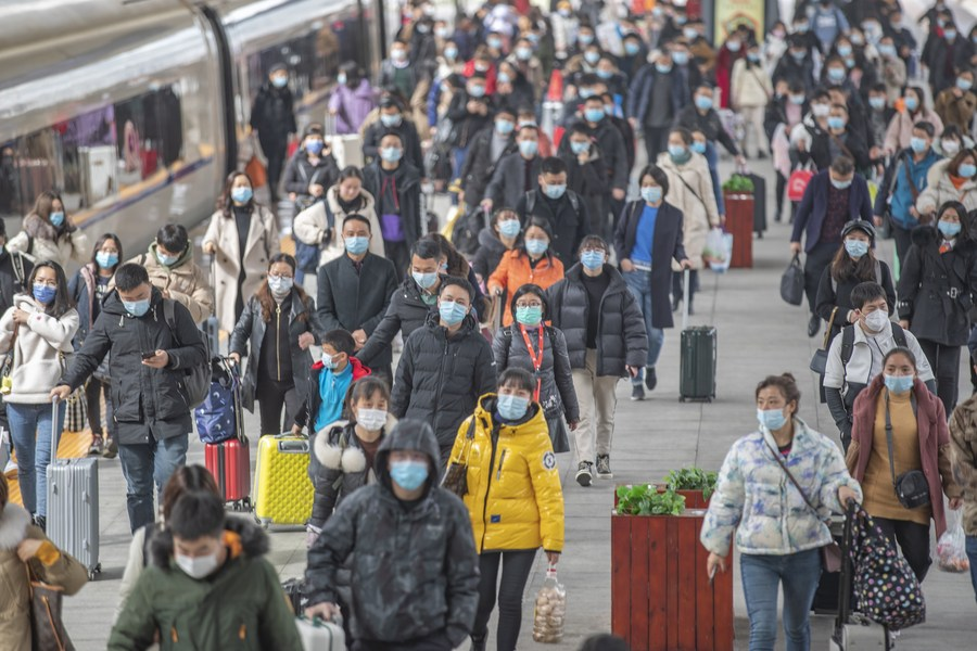 จีนเผยยอดเดินทางหยุดยาว 'ตรุษจีน 2021' ลดฮวบกว่า 76%
