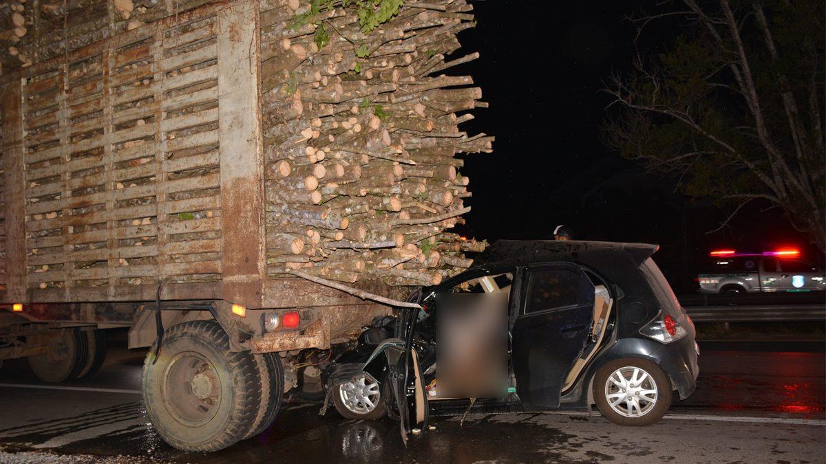หนุ่มวัย 39 อดีตผู้โชคดีได้รถยนต์งานมอเตอร์โชว์ ขับเก๋งชนเสียบรถบรรทุกดับสลด