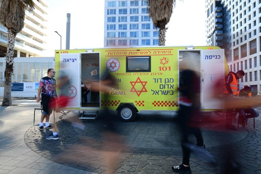ส่งตรงถึงริมหาด! อิสราเอลผุด 'รถฉีดวัคซีนโควิด-19 ชั่วคราว'