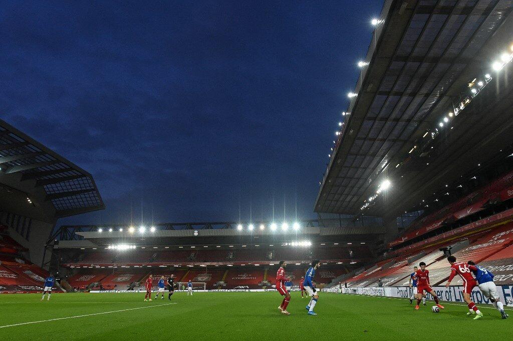 สโมสรพรีเมียร์ลีกเตรียมเฮ รัฐบาลอังกฤษเล็งเปิดให้แฟนบอลเข้าสนามไม่เกิน 10,000 คน กลาง พ.ค.