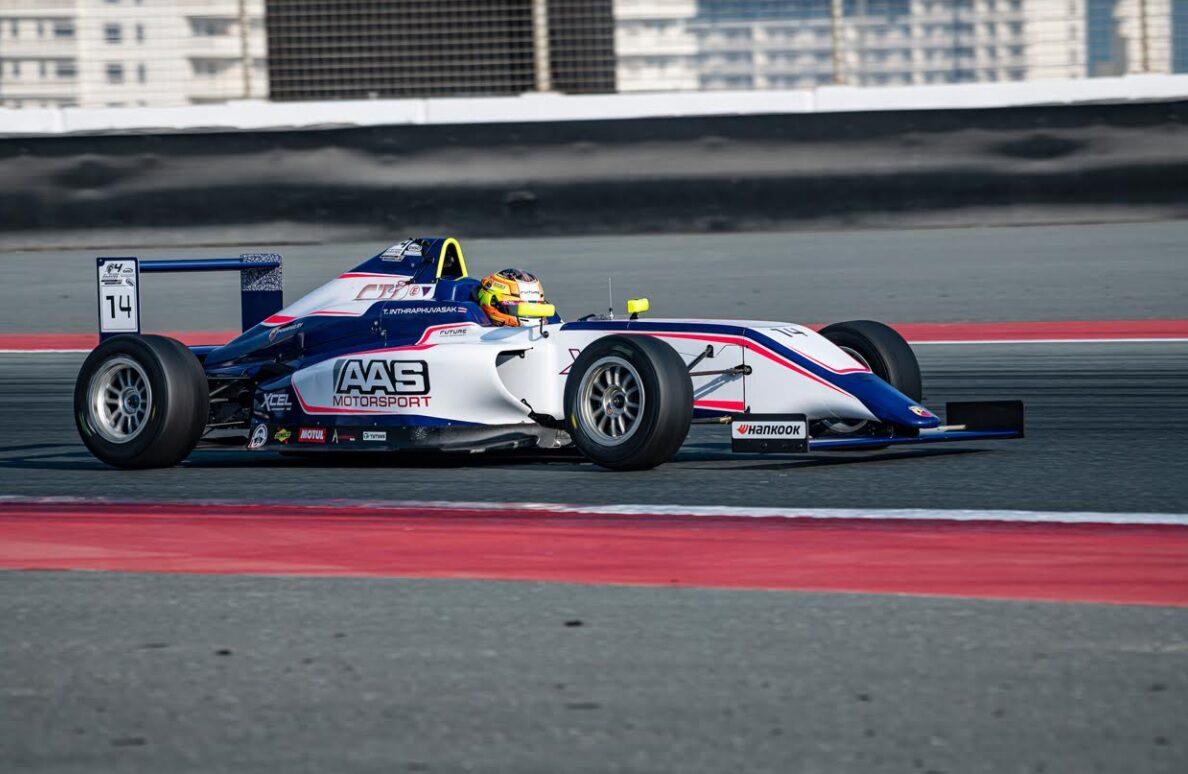 เยาวชนไทยวัย 15 ครองโพเดียมอันดับ 3 สนามดูไบ ออโต้โดม แข่งรถสูตร Formula 4