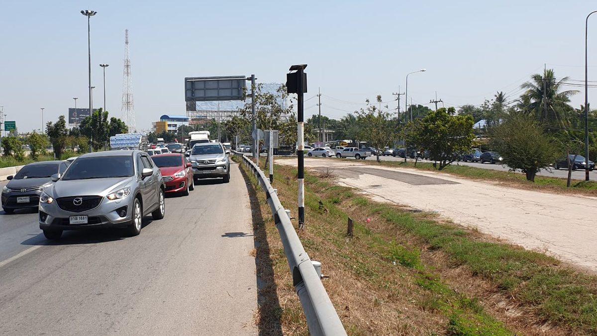 ก่อสร้างทางวันหยุด พระราม 2 รถติดหนัก ท้ายแถวสะสมยาว 10 กิโลเมตร