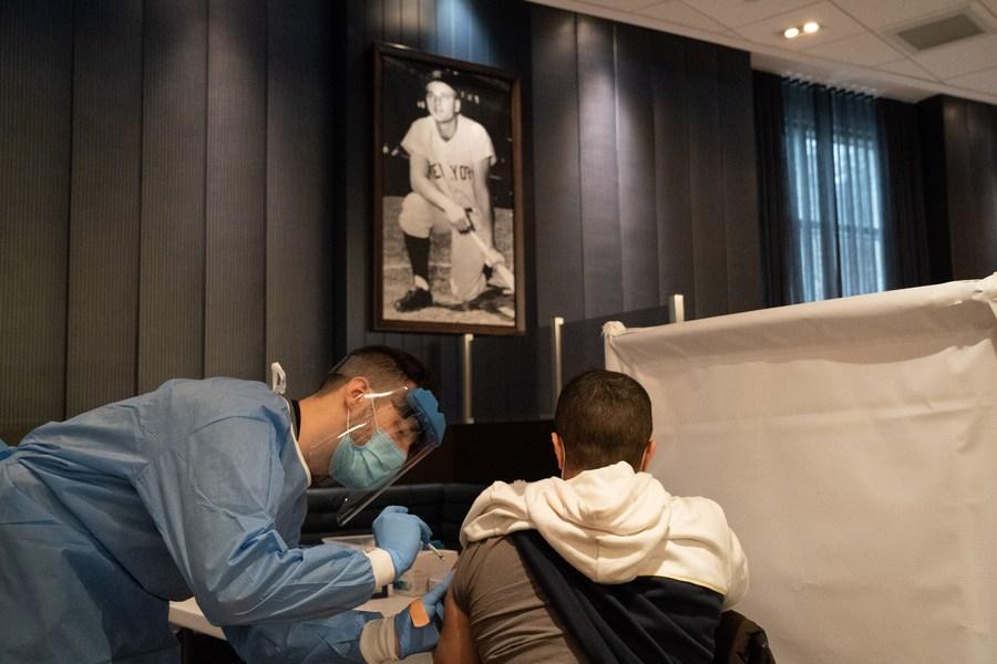 สหรัฐฯ เริ่มจัดส่งวัคซีนโควิด-19 'จอห์นสัน แอนด์ จอห์นสัน' ทั่วประเทศ