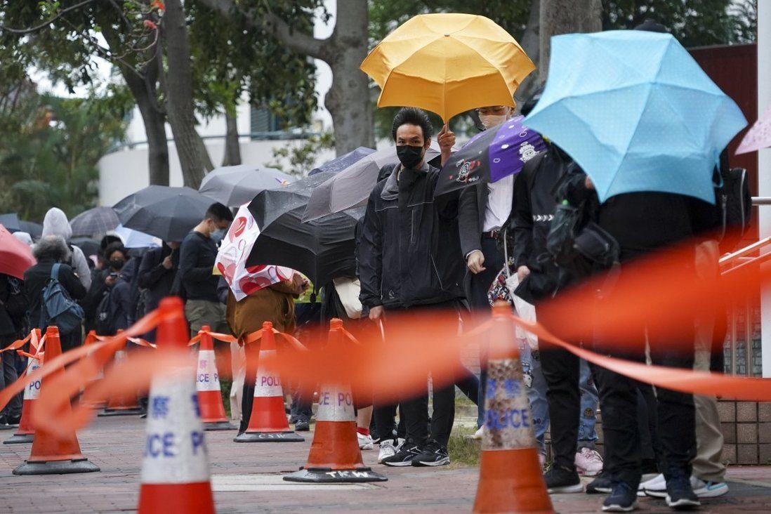 ฮ่องกงให้ประกันตัว 15 นักประชาธิปไตยจาก 47 คน แต่ยังถูกคุมขังระหว่างอุทธรณ์