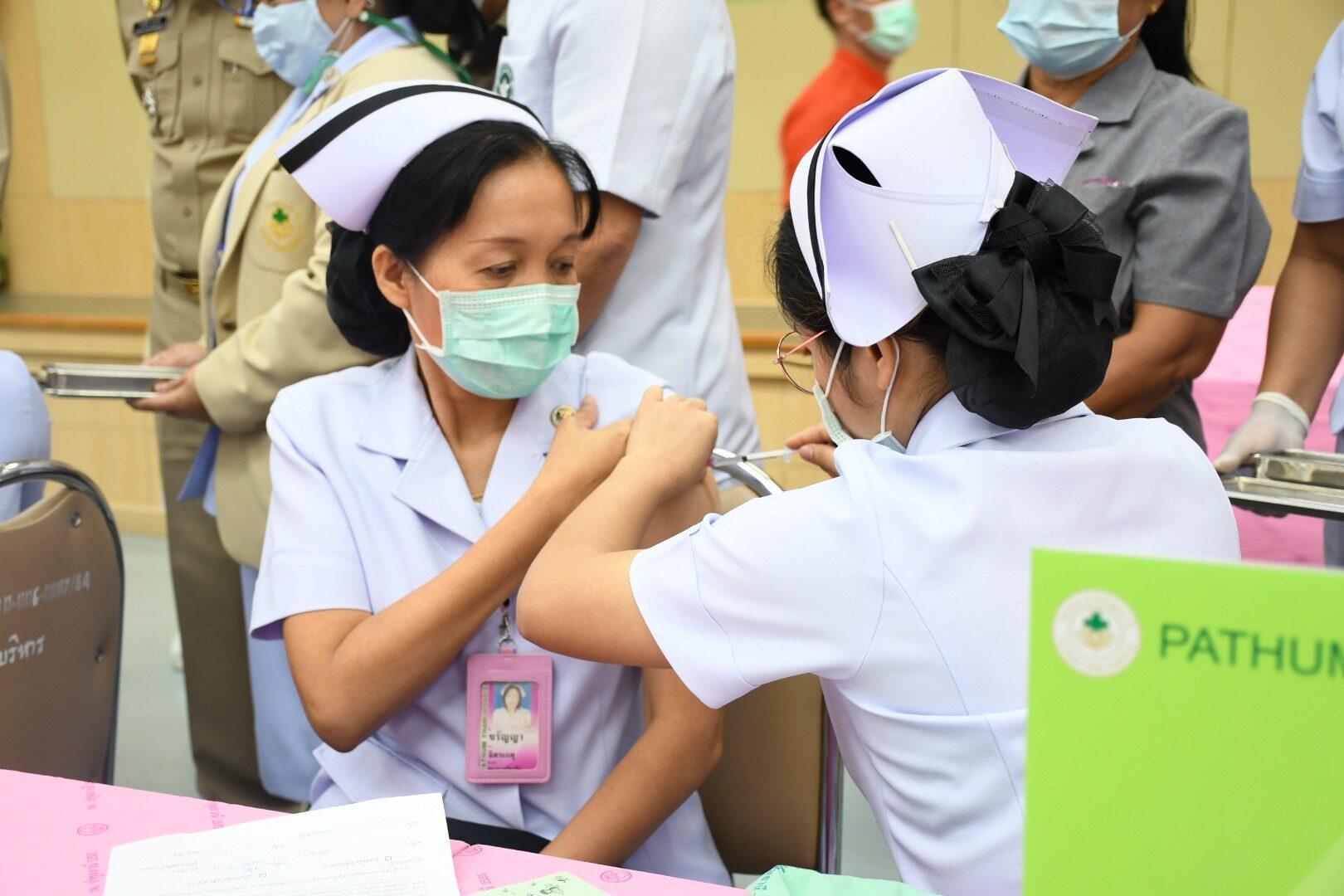 สธ.เล็งสั่งซื้อวัคซีนโควิด-19 เพื่อคนไทยเพิ่ม เร่งสรุปออกหนังสือรับรองกลุ่มฉีดครบ 2 เข็ม