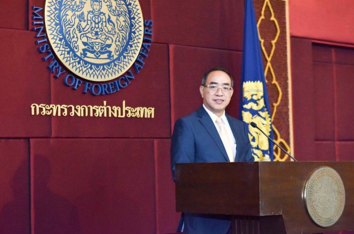 กต.แจงจัดเที่ยวบินนำคนไทยในเมียนมากลับบ้านไม่เกี่ยวการเมือง