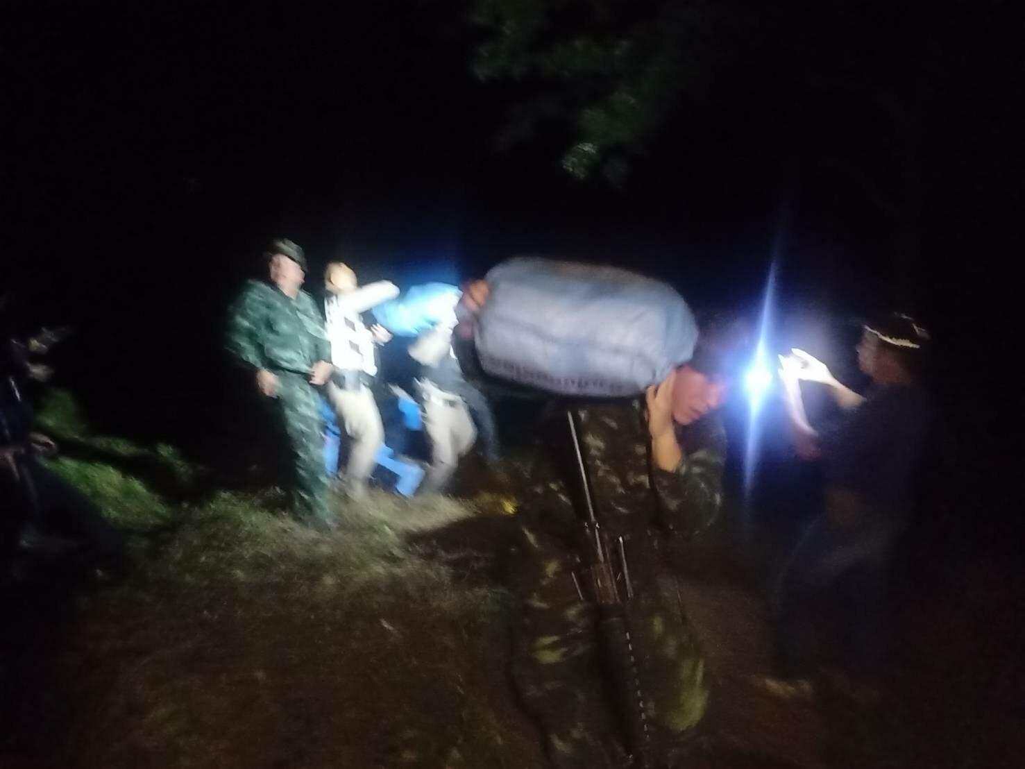ตำรวจ ทหารปะทะเดือดแก๊งค้ายา ยิงสนั่นกลางแม่น้ำโขง ยึดล็อตใหญ่'ไอซ์'385 กก.