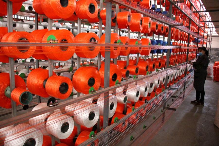 อุตสาหกรรมเส้นใยเคมีของจีนปี 2020 ผลผลิตเพิ่ม รายได้-กำไรลด