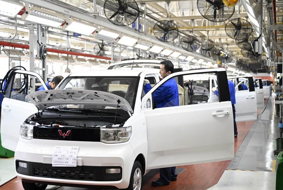 การผลิต 'รถยนต์พลังงานใหม่' โตแกร่งในฐานอุตสาหกรรมหลิ่วโจว