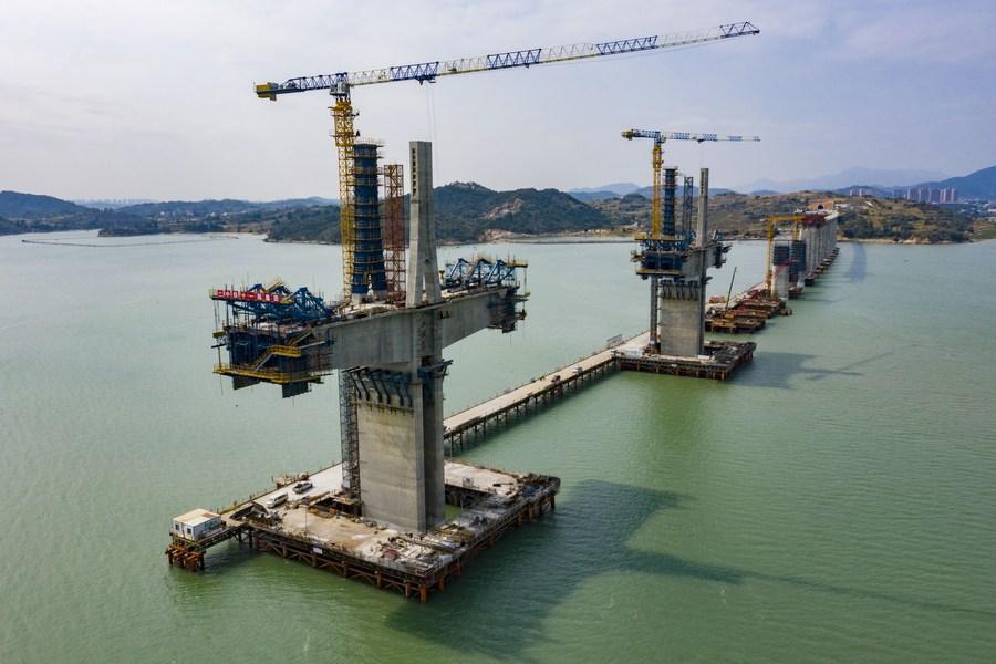 ส่องงานสร้าง 'สะพานข้ามทะเลอ่าวเหมยโจว' ในฝูเจี้ยน