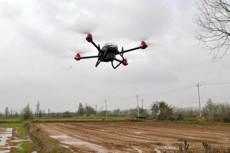 สหกรณ์จีนทำ 'ฟาร์มอัจฉริยะ' ใหญ่กว่า 4 พันไร่ ใช้ 26 คน
