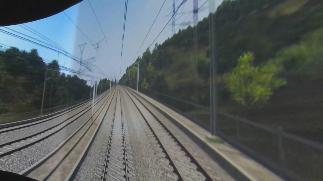 จีนสานฝันเด็กหนุ่มป่วยโรคหายาก จัดทริป 'ขับรถไฟความเร็วสูง' สมปรารถนา