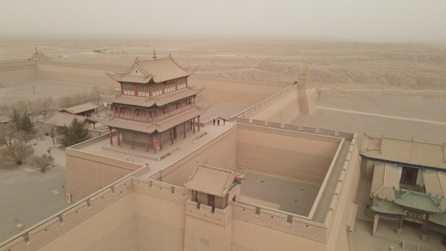 โนฟิลเตอร์! กองทัพทรายบุกประชิด 'กำแพงเมืองจีน' ในกานซู่