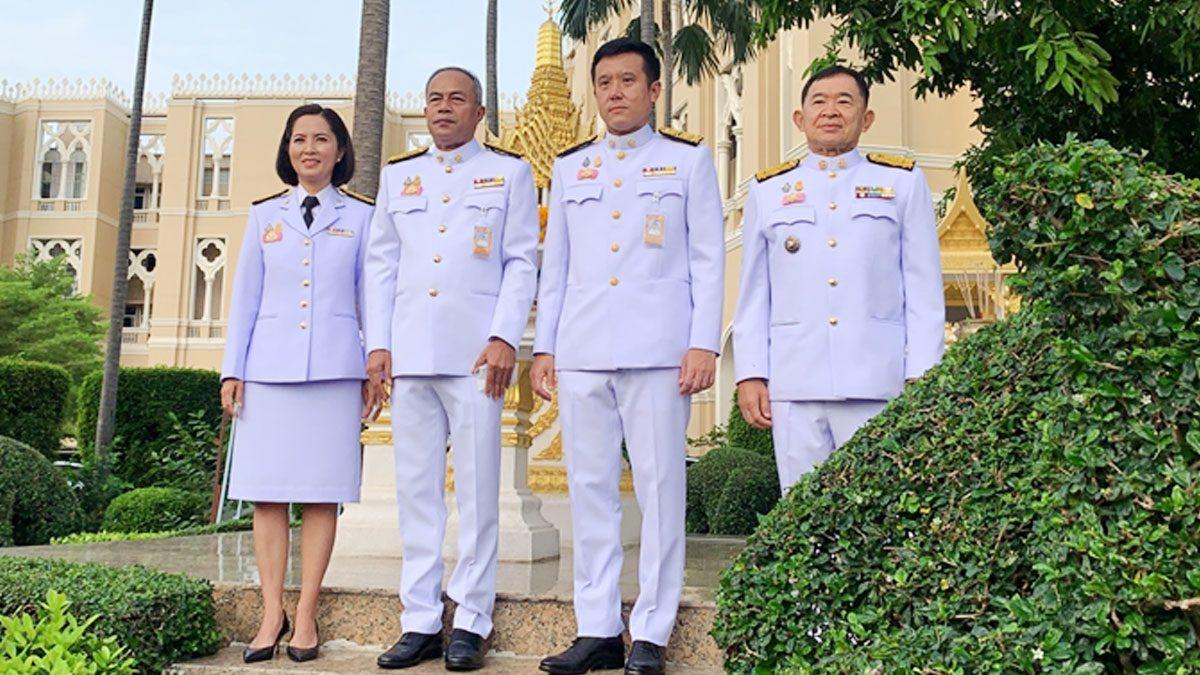 ตรีนุช-ชัยวุฒิ-วีรศักดิ์-สนิตย์ รัฐมนตรีใหม่ สักการะสิ่งศักดิ์สิทธิ์ทำเนียบ