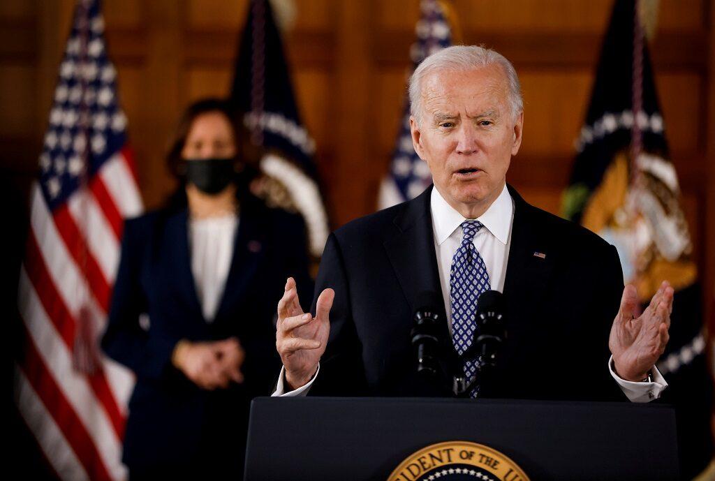 ไบเดนประกาศมาตรการต้านเหยียดเอเชีย นำเงิน 49.5 ล้านดอลล์เยียวยาเหยื่อ