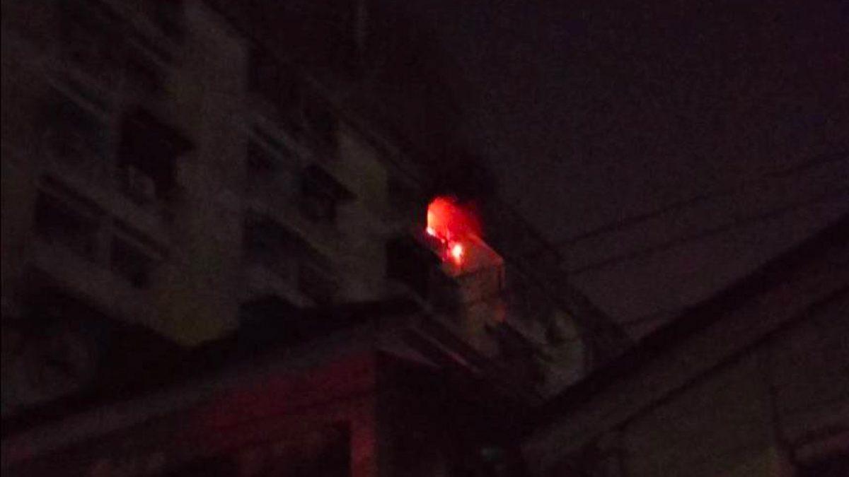 เพลิงไหม้ห้องเช่า กลางดึก สุดสลด พบผู้ป่วยติดเตียง ดับในห้องน้ำ